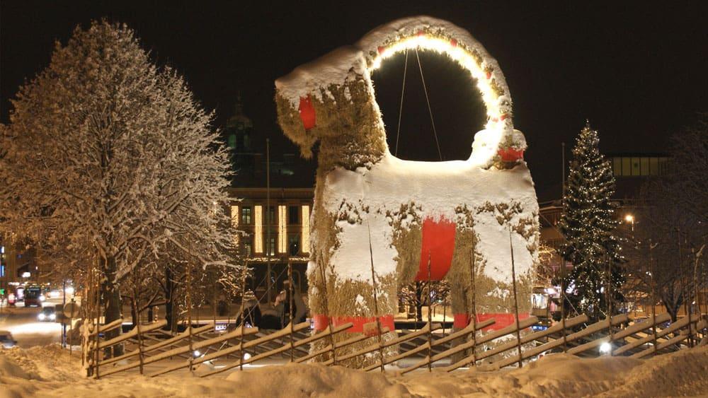 swedish-jul-yule-tradition-goat-gävlebocken-gävle-jolablot-sweden