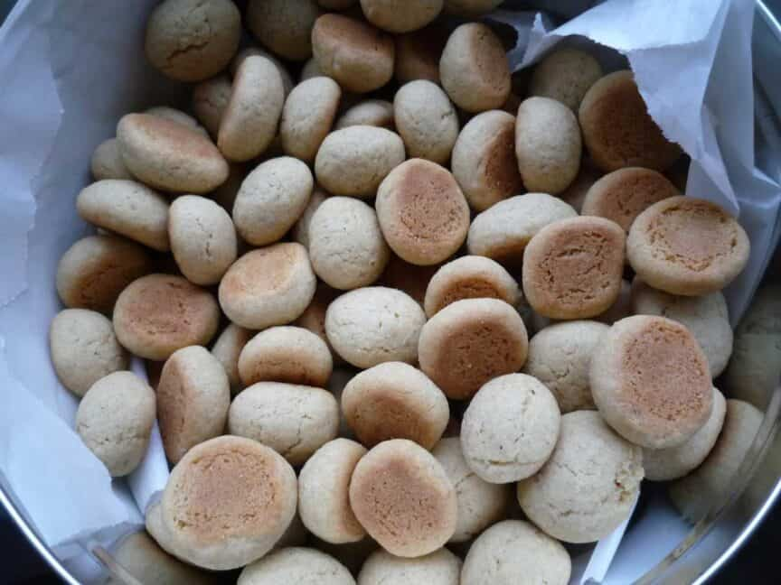 pebernødder-pfeffernusse-traditional-german-christmas-treats-cake-yule-jul